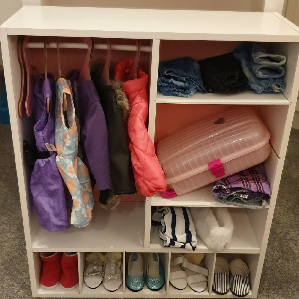 Designa friends wardrobe