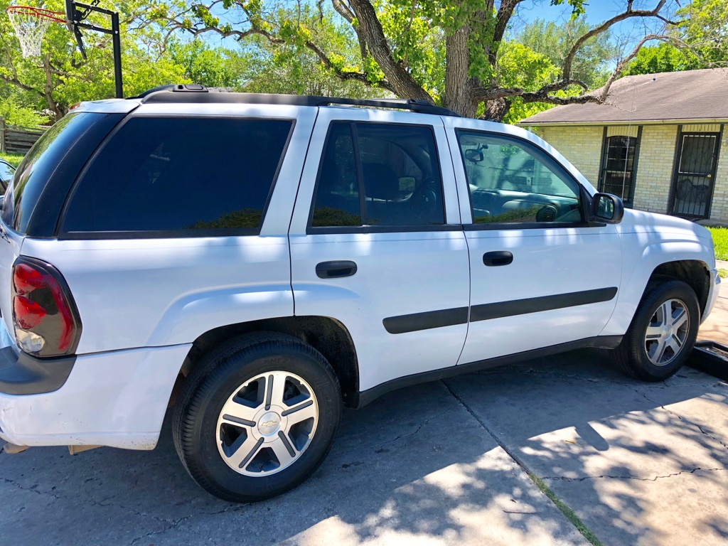 03 Chevy trailblazer  Ls