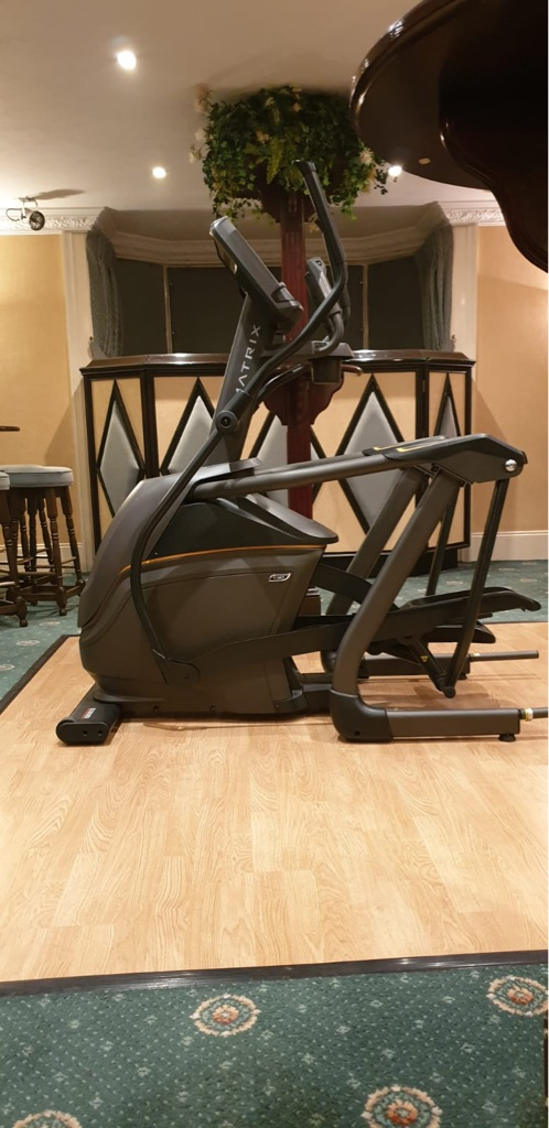 Matrix cross trainer
