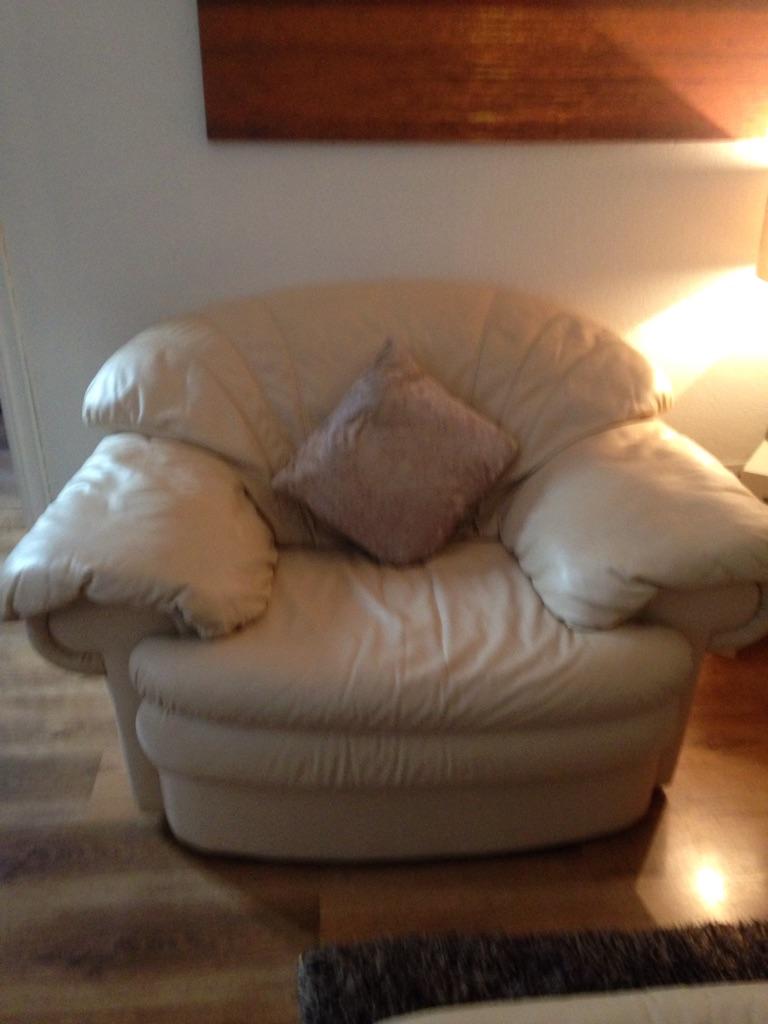 Cream leather sofa £80 Ono