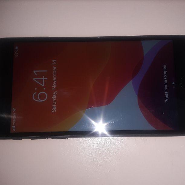 Apple iPhone 7 32GB Verizon/T-Mobile/MetroPCS/AT&T/Cricket Phone Unlocked Clear ESN Black