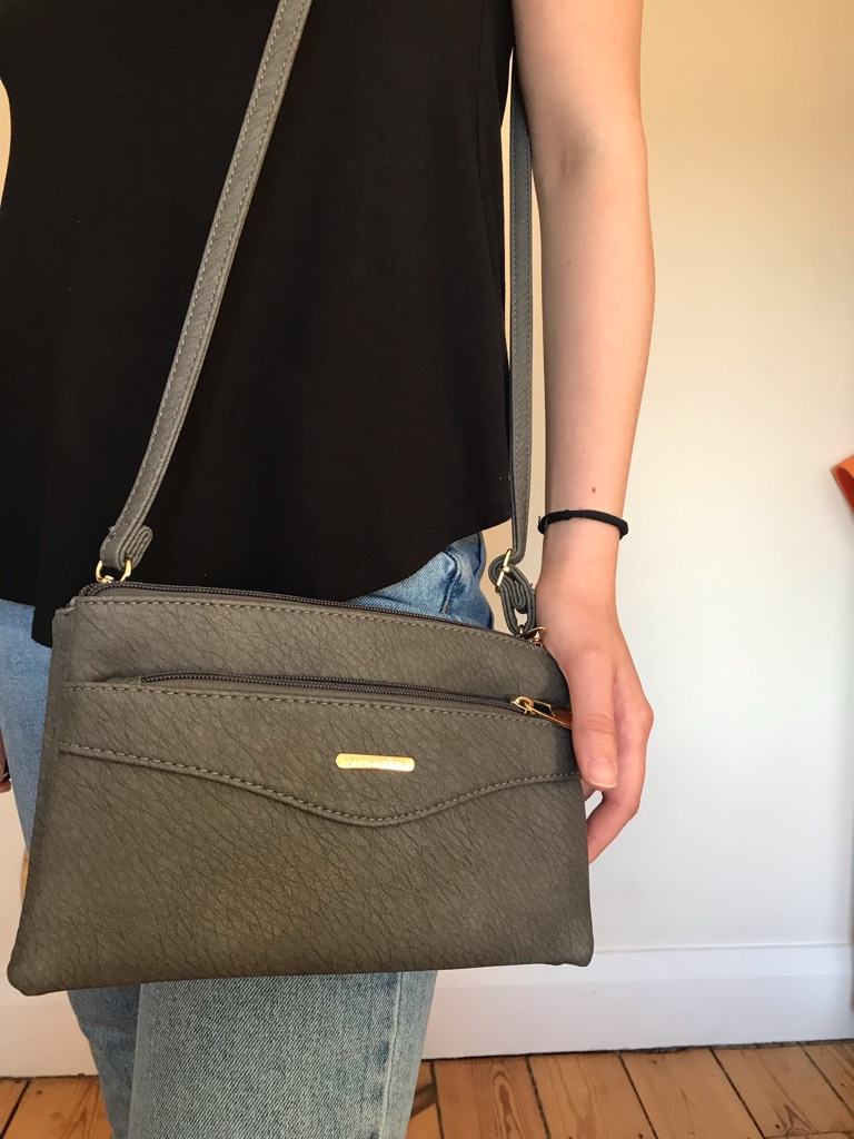 Cross body grey woman's bag