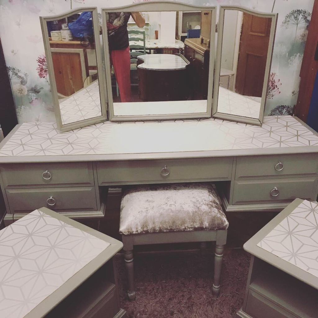 Dressing table with mirror, stool and matching bedside tables