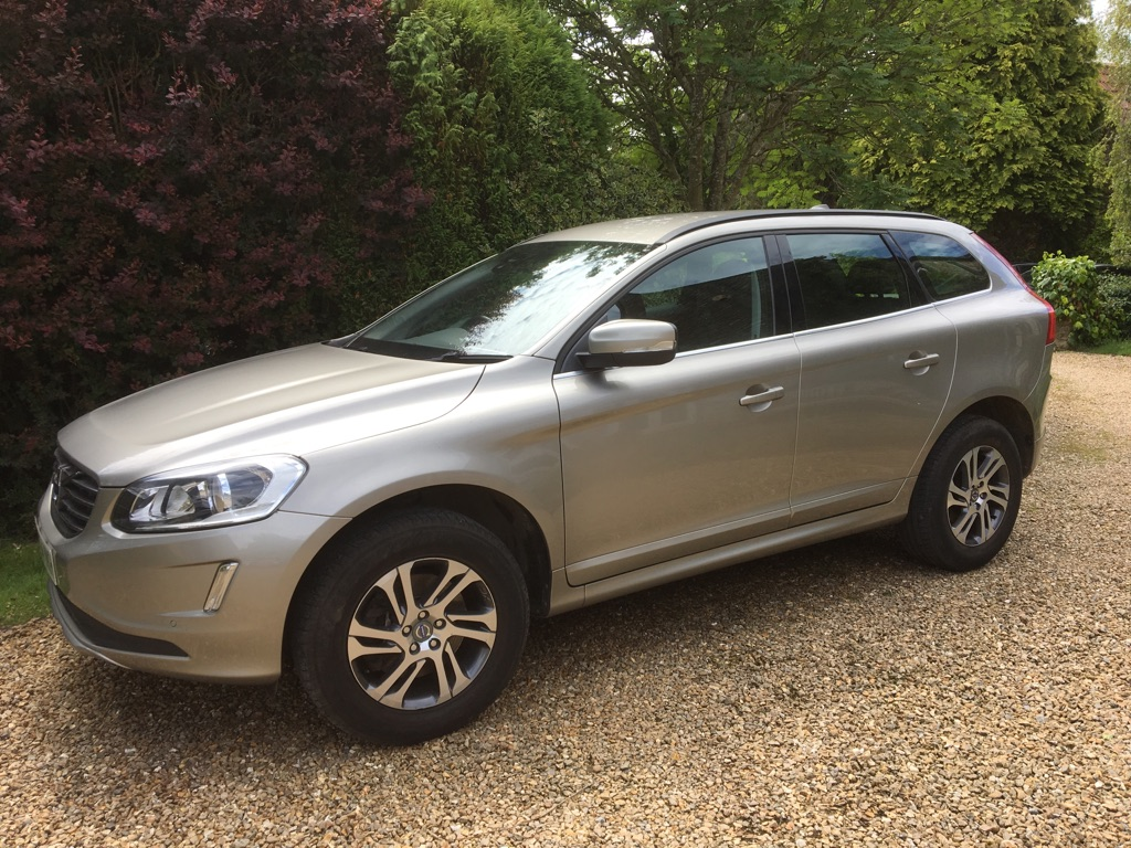 Volvo XC60 D5 automatic 2014 Pearlescent Gold