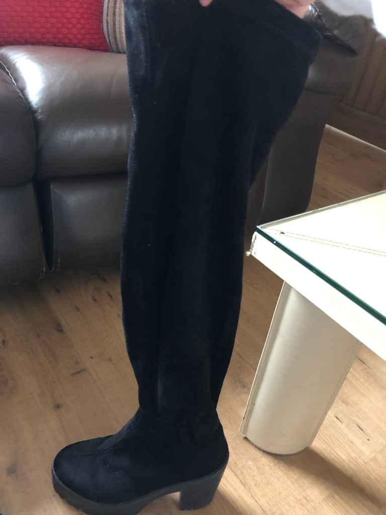 Ladies Schuh Knee high boots size 5