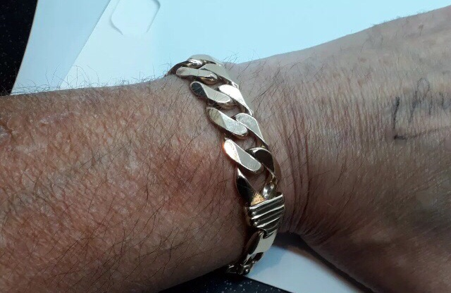 Mens 9ct gold curb bracelet 9.25 inch heavy 79.9 grams