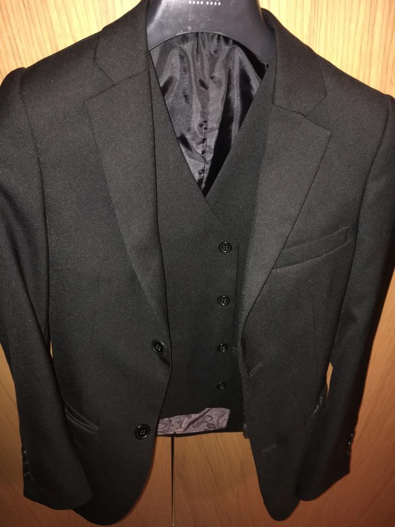 10-11 yr old boy suit -2 pieces