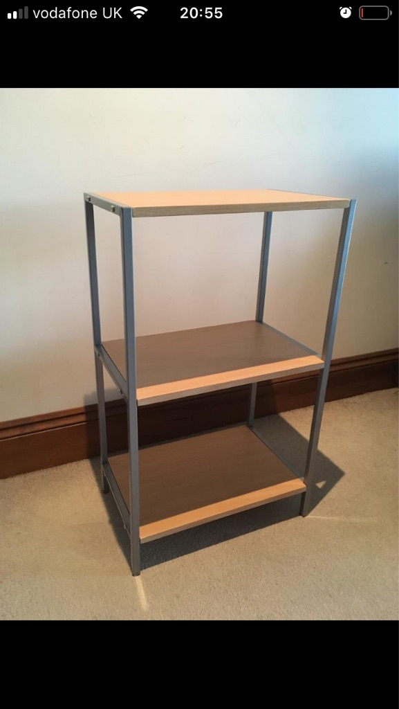 Small Shelving Unit in very good condition!