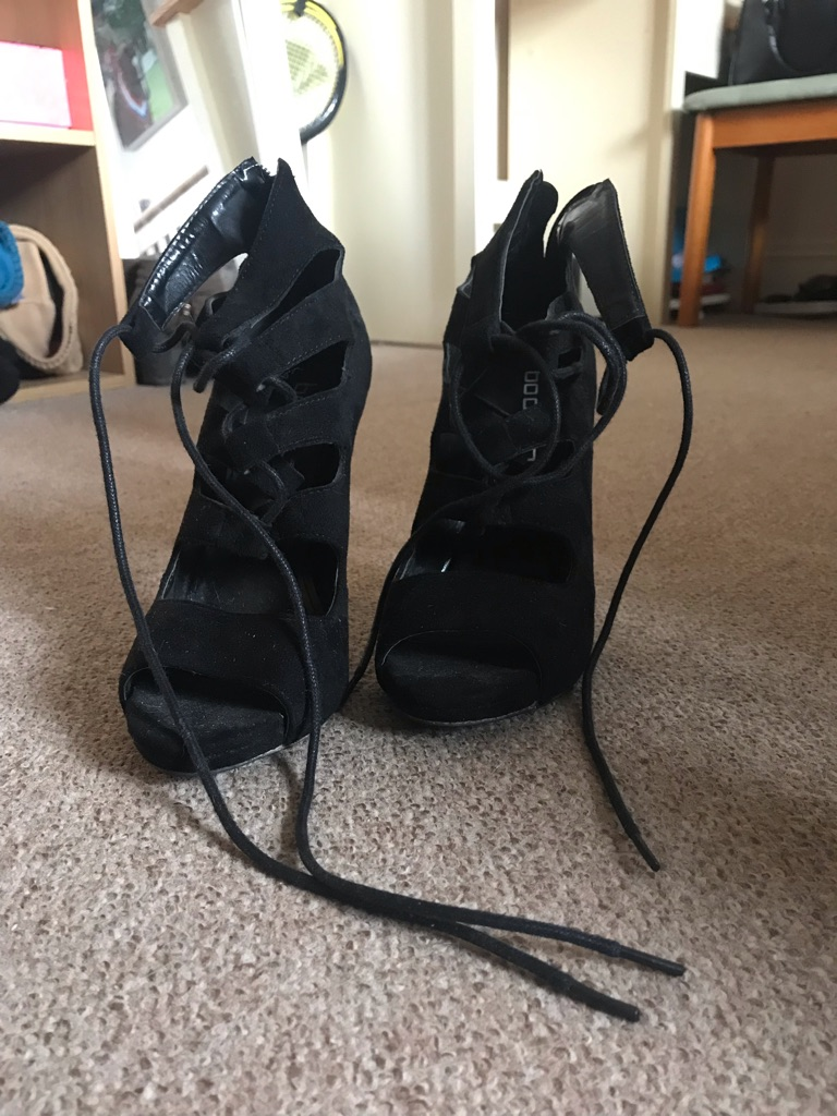 Size 5 black heels