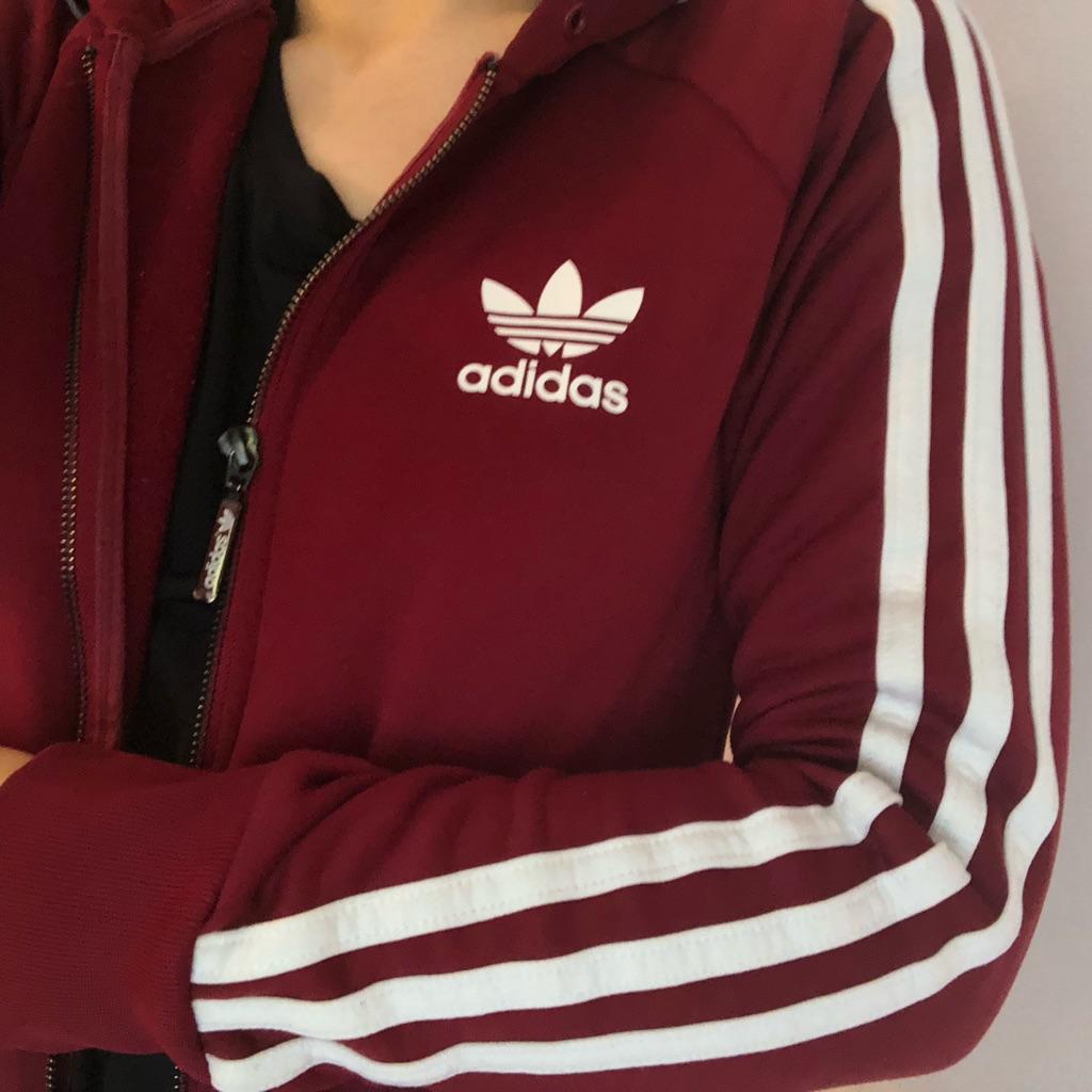 maroon adidas stripe hoodie