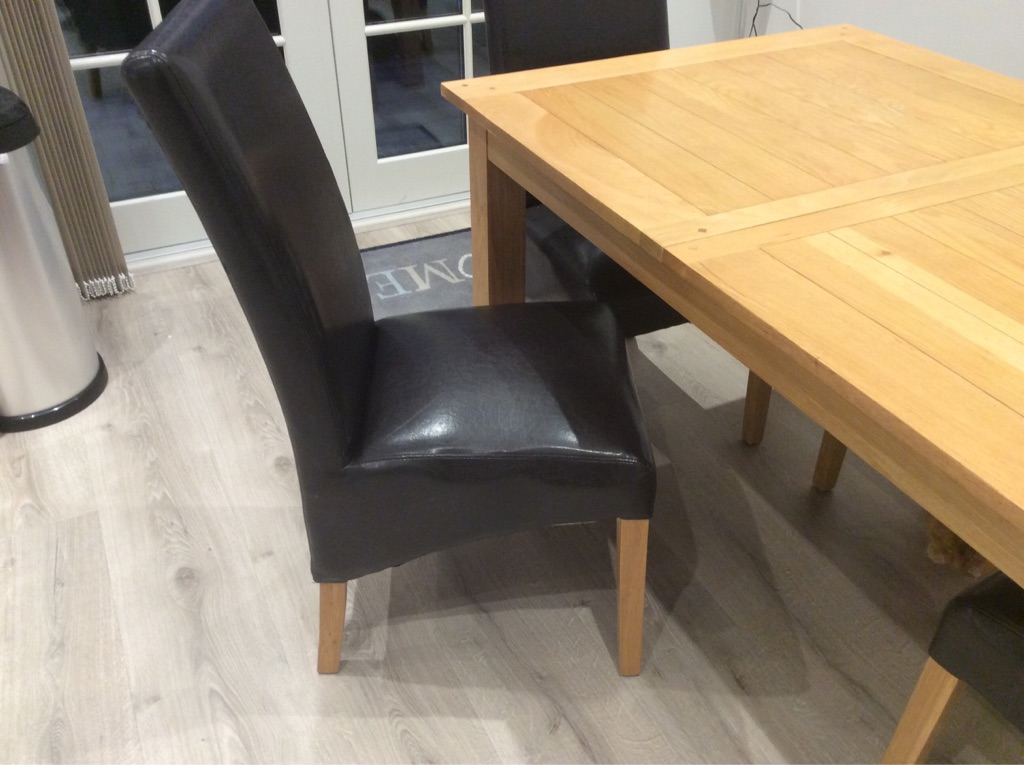 Extendable Oak Dining Table & 4 Black Leather Scroll Back Chairs