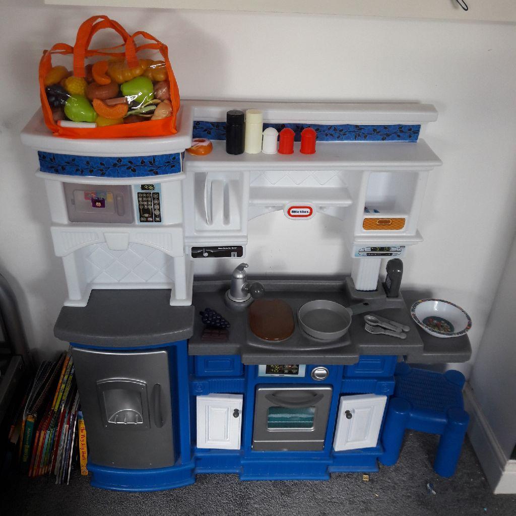 Little tykes kitchen