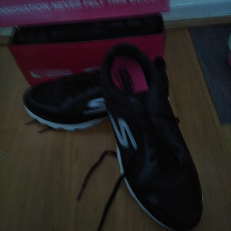Sketchers size 8