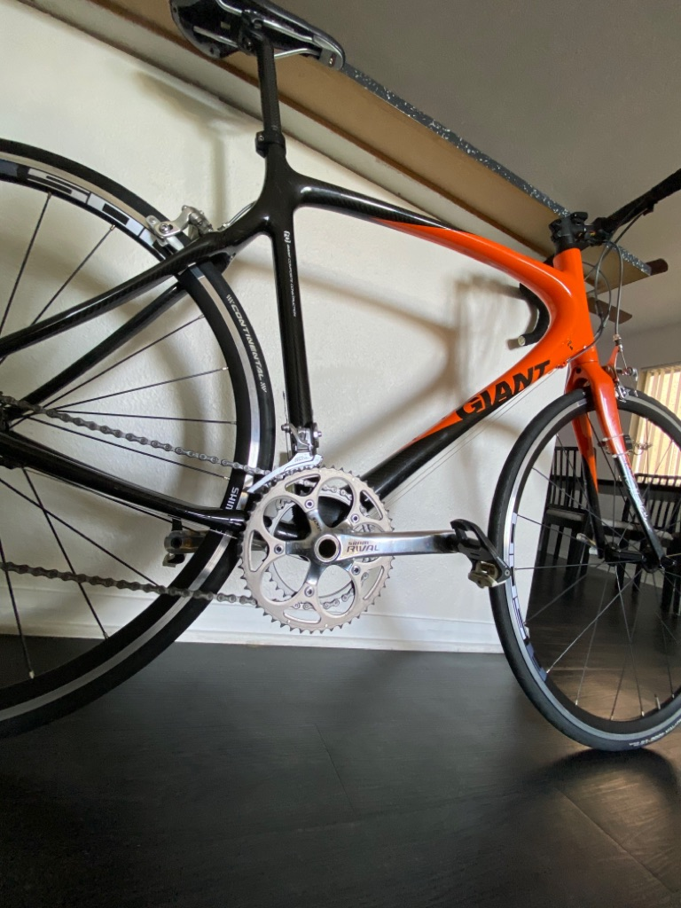 Bicycle giant full carbon fiber