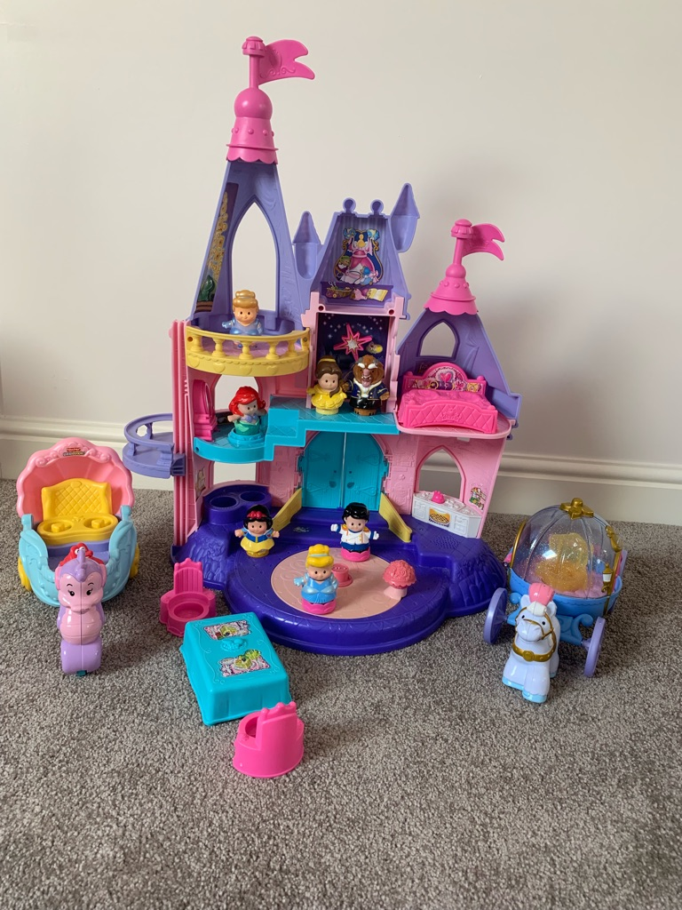 Fisher-Price Little People Disney Princess Palace with Carriages