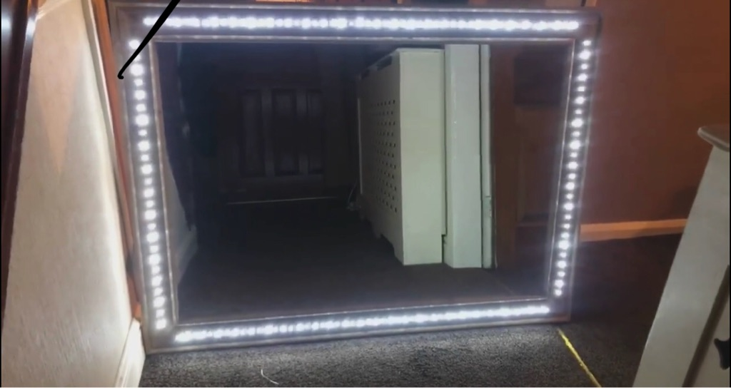 Light up/flashing mirror