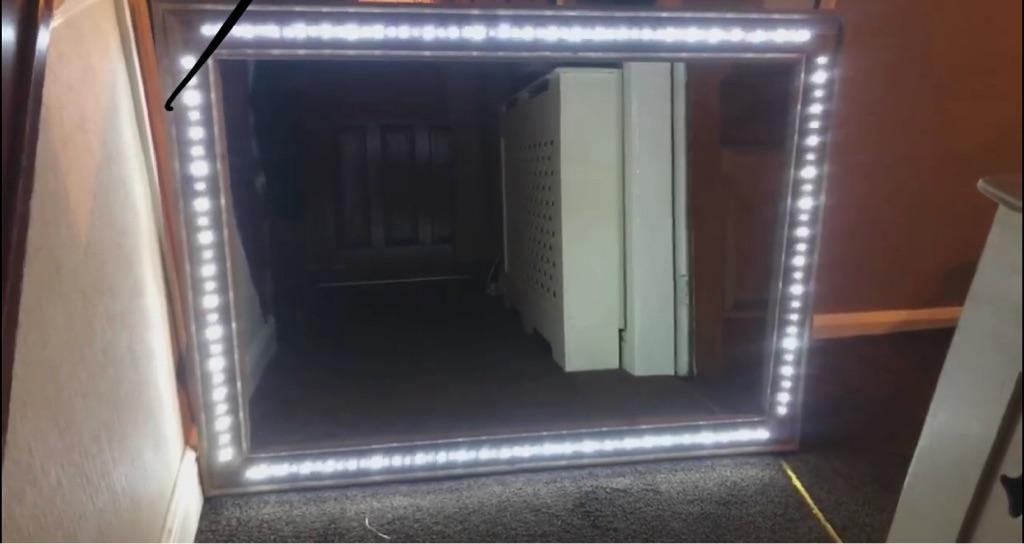 Light up/flashing mirror