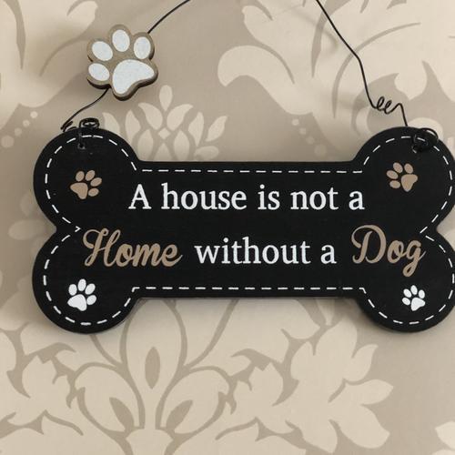 Doggie pals hanging plaques