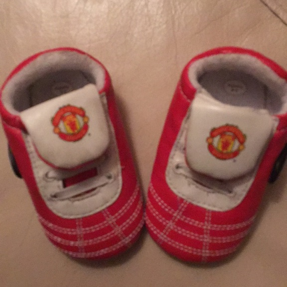 3-6months Man U baby shoes