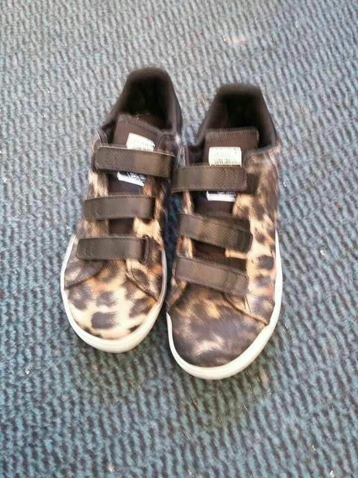 Girls leopard print Adidas trainers size 2, limited edition Stan Smith
