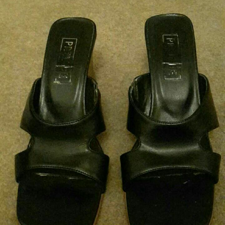 Black Ladies Slip on Sandals Size 6