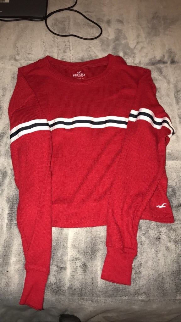Hollister sweatshirts 15 each 25 for both