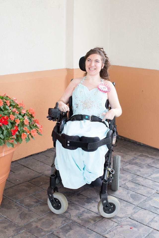 beautiful pagent dress size 8