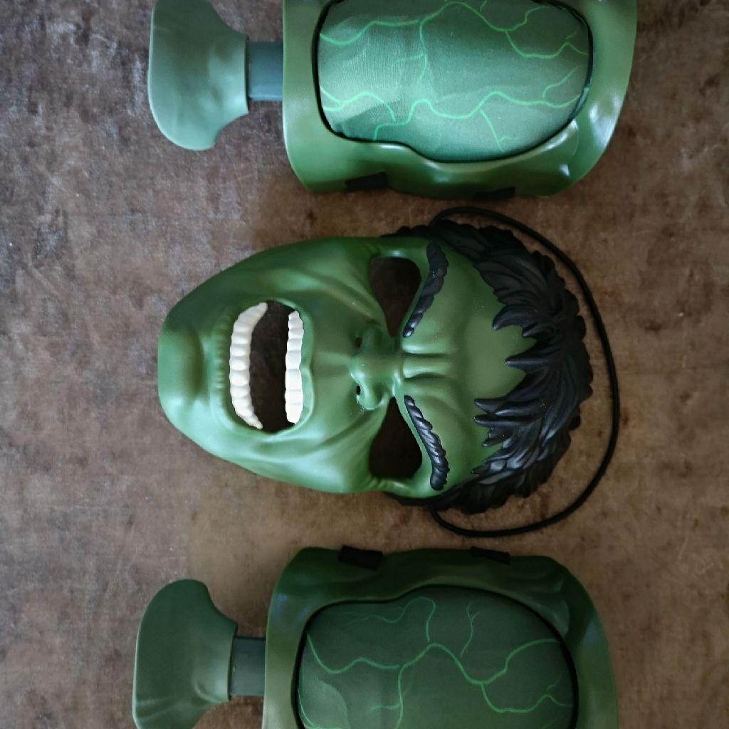 Incredible hulk mask and muscles