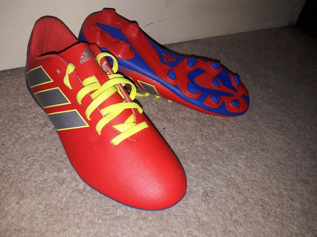 BRAND NEW Adidas Junior Nemeziz Messi 18.4 boots