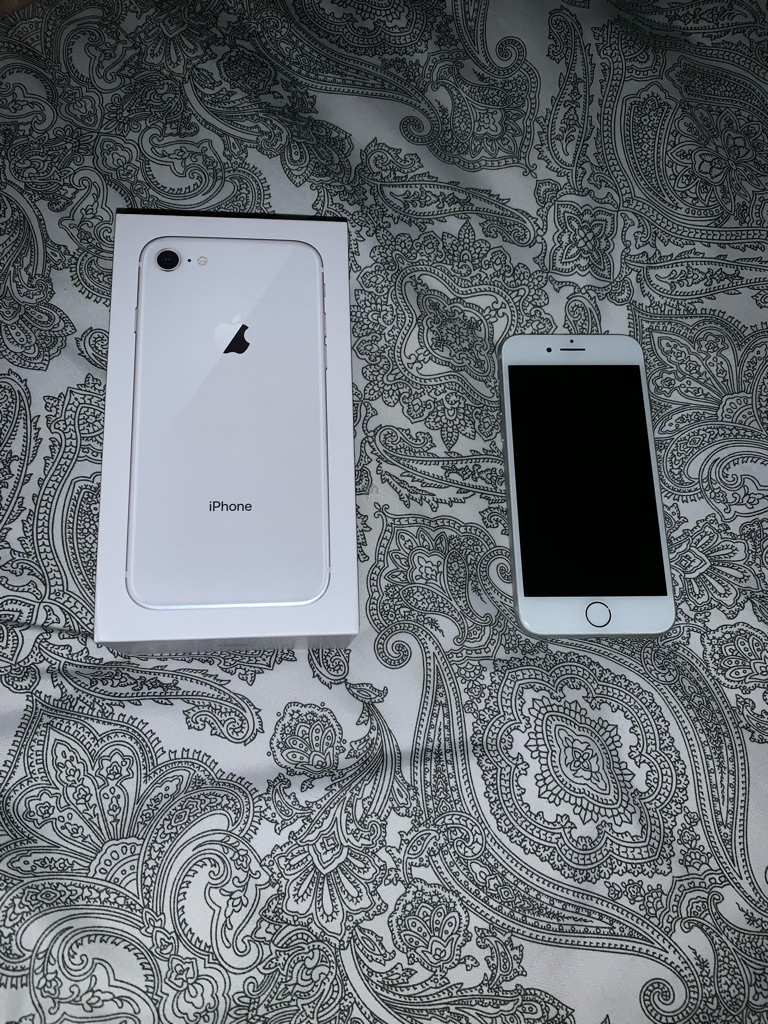 Apple IPhone 8, 64GB, Excellent Condition, White