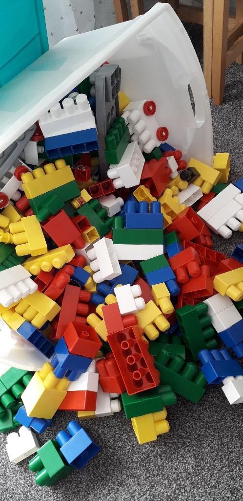 Mega blocs