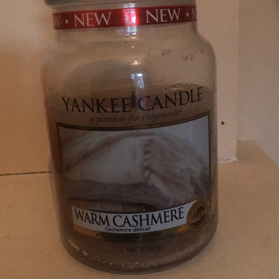 Large Yankee candle. Warm cashmere