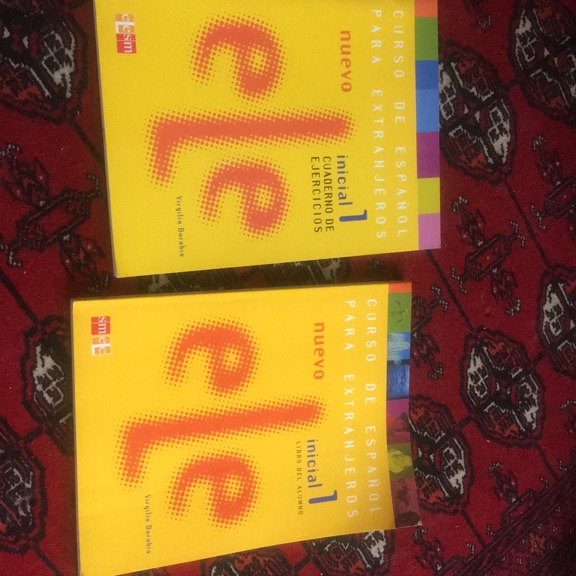 Spanish course initial level+ exercise book