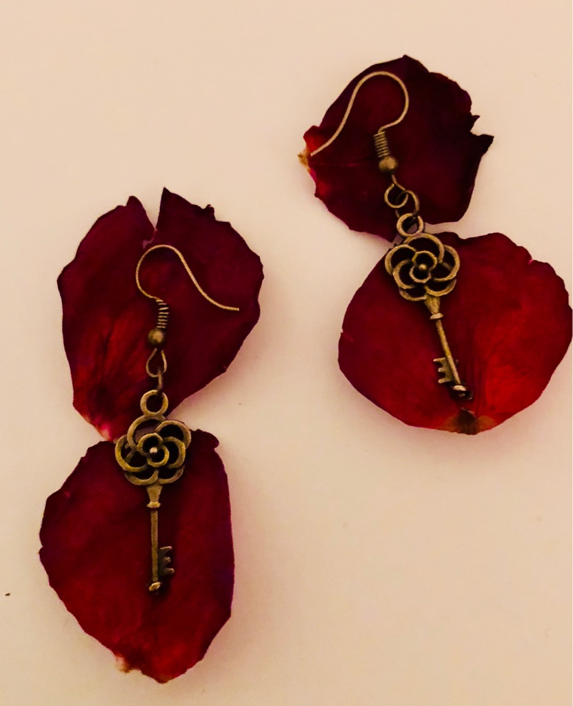 Handmade Rose 🌹 Key Earrings Brand New