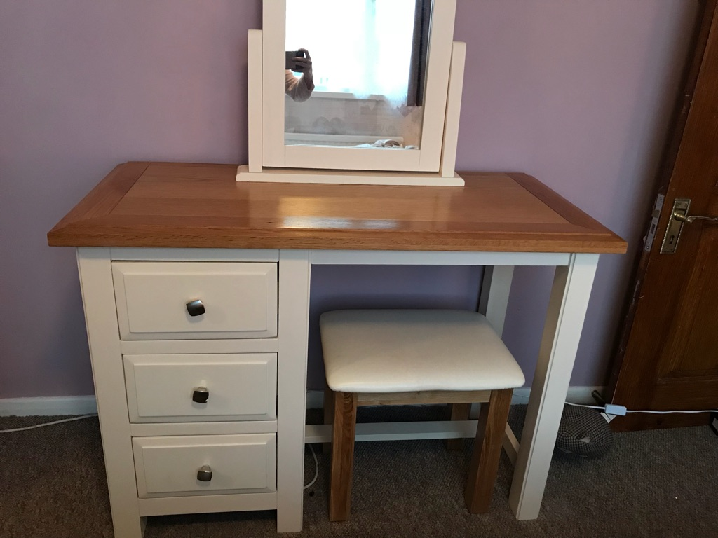 Oak top dressing table with stool and mirror