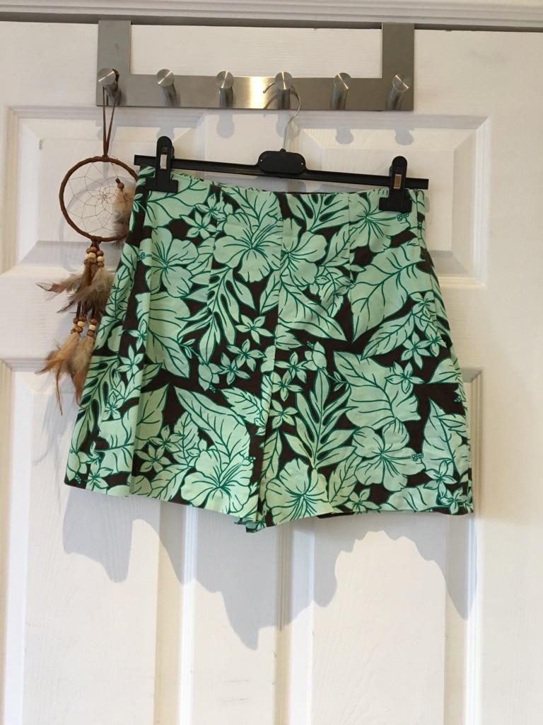 Zara high waisted tropical shorts size 8