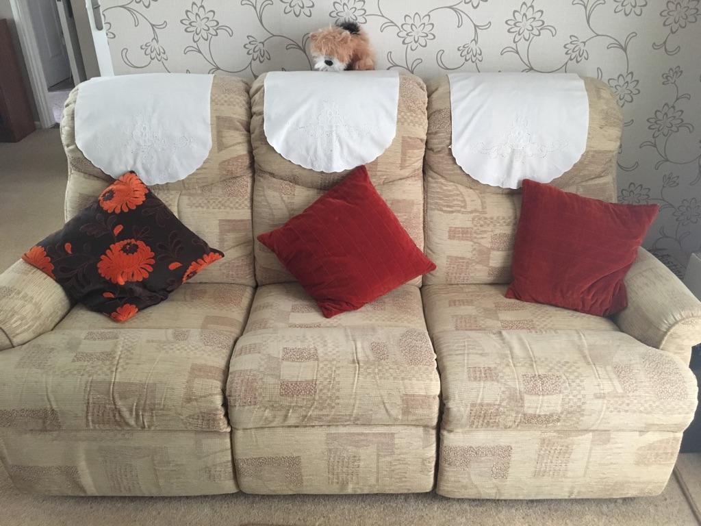 Sofa & 2 Armchairs