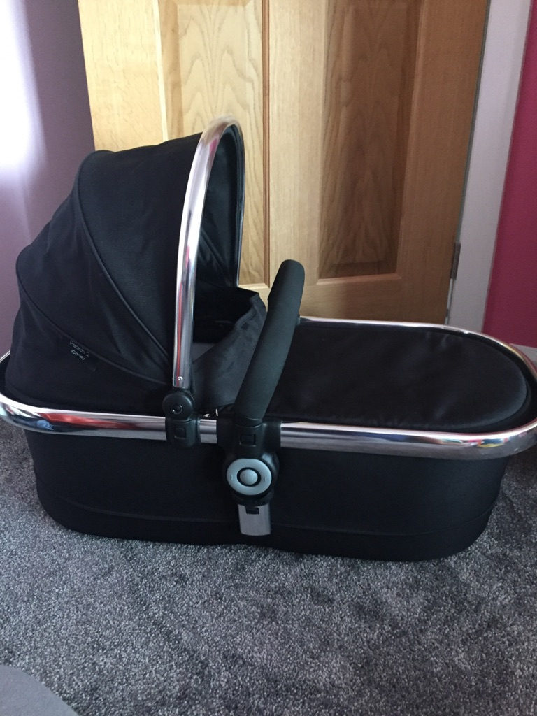 ICANDY peach 2 black carrycot