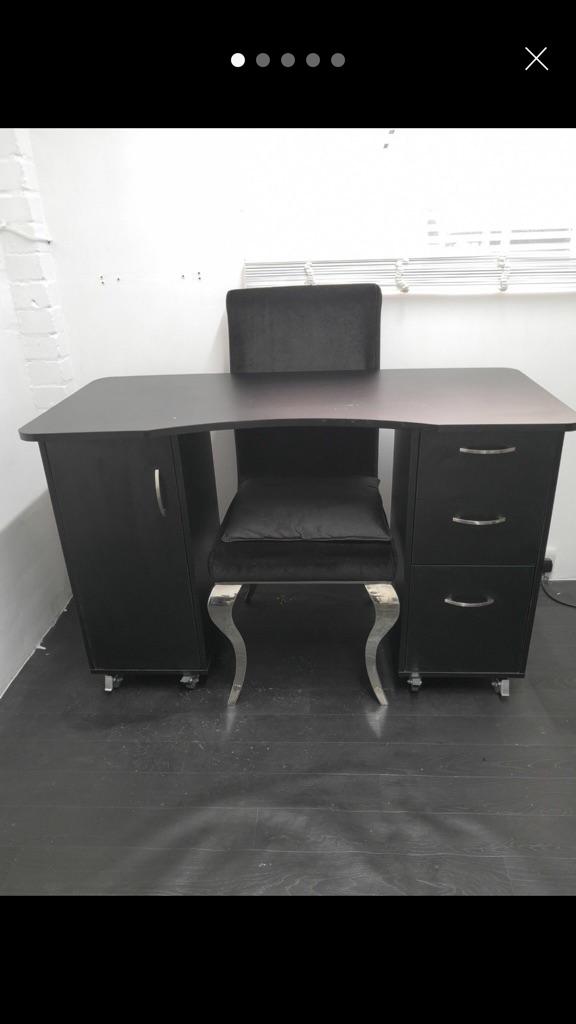 Black dress table