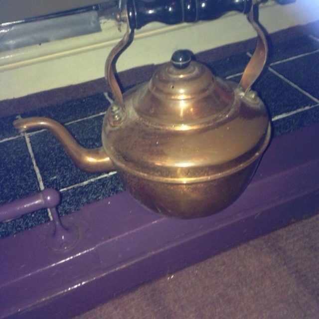 Copper kettle £25 Ono. Light weight offers