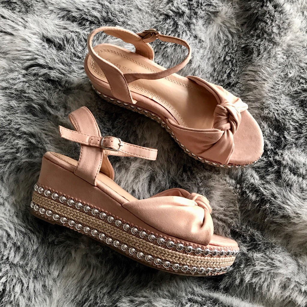 Pink studded wedge sandals size 6 new with box
