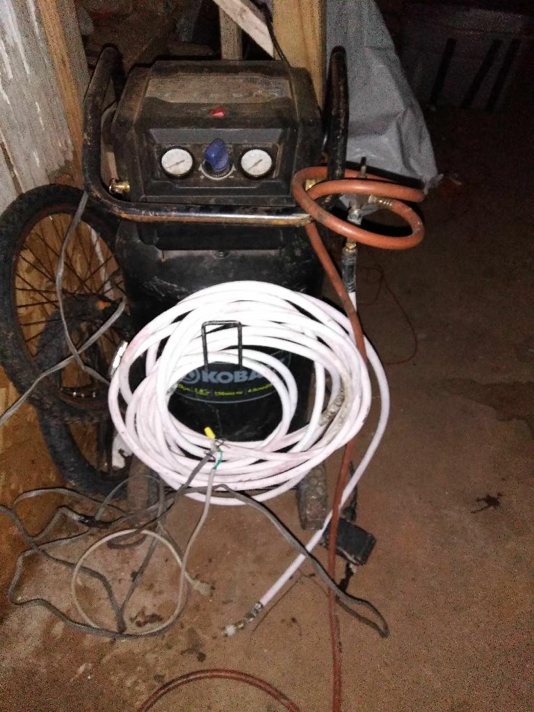 Airconpressr hoses and paintgun