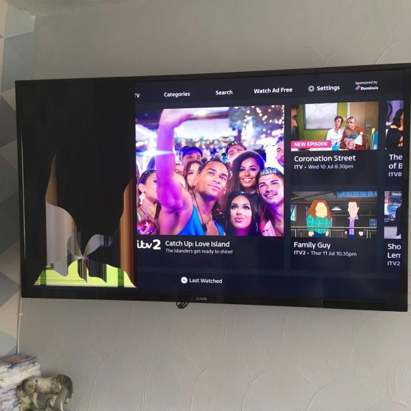 Luxor 49 inch smart tv. Spares or repair