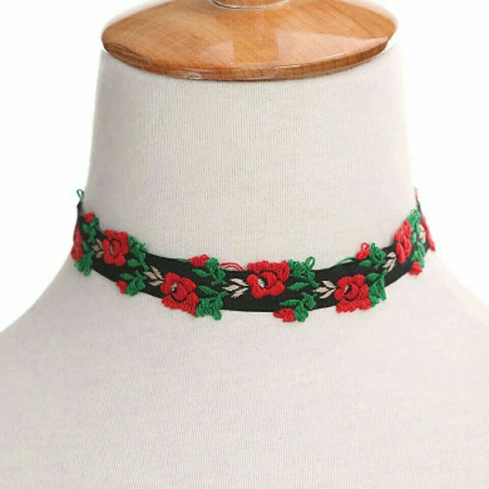 Black w/Red 🌹's Embroidered Choker