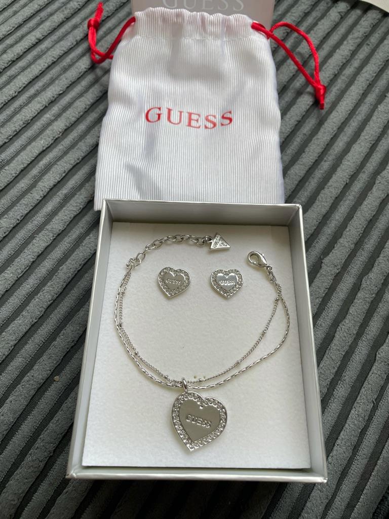 Guess set bracelet and earrings!