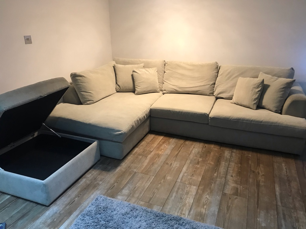**Excellent buy**modern LH corner sofa-4 years old excellent condition
