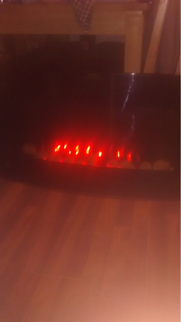 HARDLY USED ELECTRIC REMOTE CONTROL FIRE