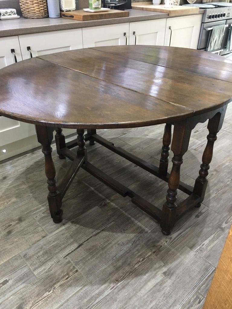 STUNNING DARK OAK LARGE DROPSIDE TABLE