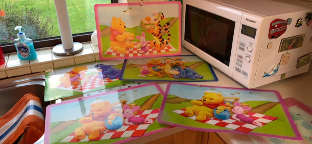 5 Winnie the Pooh placemats