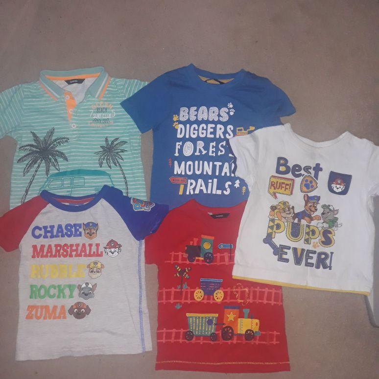 Boys 2 x Paw patrol and 3x tshirts